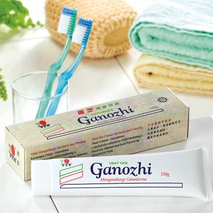A DXN Ganozhi fogkrém nem tartalmaz fluoridot,  szacharint és színezőanyagokat, csak jó minőségű ganodermakivonatot, Sodium Alginate-ot, mentolt és borsmenta olajat. Hatékonyan tisztítja a fogakat, kellemes ízt hagy a szánkban. A fogaink egészségesebbek és csillogóbbak lesznek.